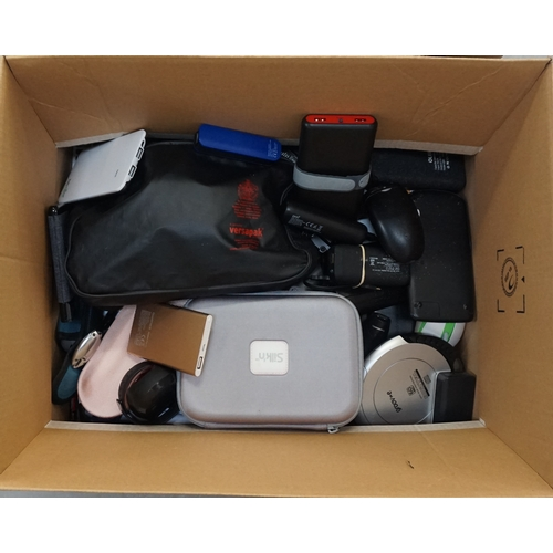 18 - ONE BOX OF GENERAL ELECTRICAL ITEMS including: power banks; electrolysis device; electric razors; pe...