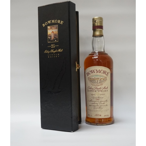 116 - BOWMORE 25YO - 1969 A special bottle of the Bowmore 25 Year Old Single Malt Scotch Whisky distilled ...