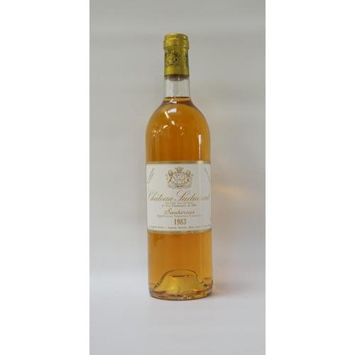 183 - CHATEAU SUDUIRAUT 1983 VINTAGE SAUTERNES A bottle of the Chateau Suduiraut 1983 Vintage 1er Cru Clas...