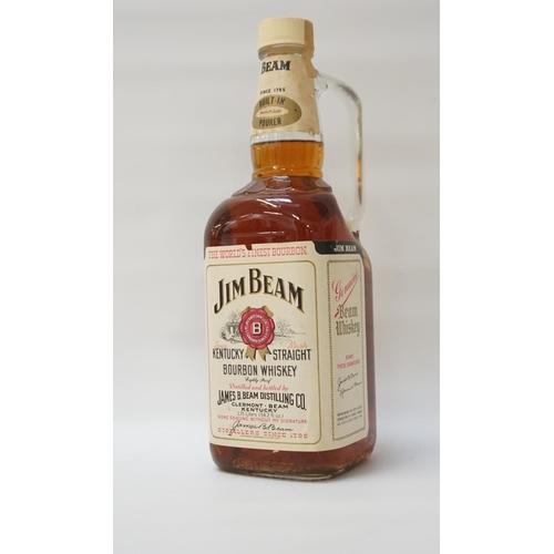 82 - JIM BEAM KENTUCKY STRAIGHT SOUR MASH BOURBON WHISKY - 1970s A large bottle of Jim Beam Kentucky Stra...