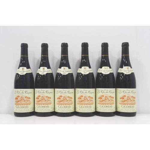 218 - DOMAINE LE CLOS DES CAZAUX LA TOUR SARRAZINE GIGONDAS 2007 Six bottles of a fantastic value wine fro...