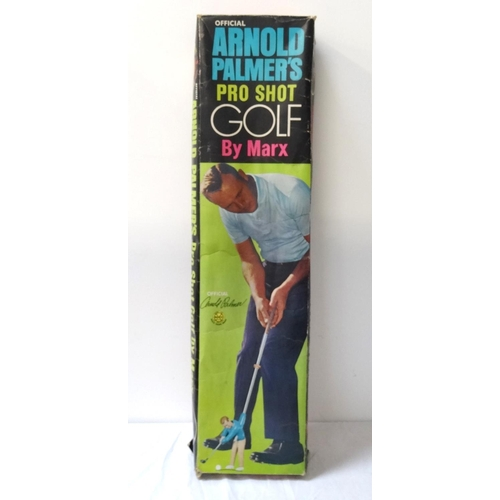 410 - OFFICIAL ARNOLD PALMER PRO SHOT GOLF GAME by Marx, including a tee, green, bunkers, boundary markers...