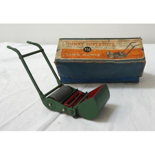412 - DINKY SUPERTOY LAWN MOWER model 751 in original box...