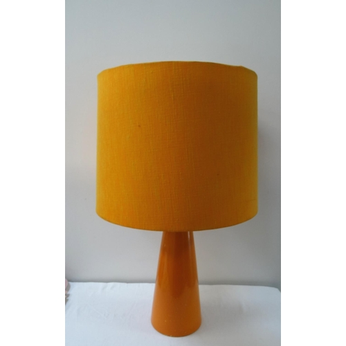 549 - 1970'S MICHAEL ANDERSON POTTERY TABLE LAMP of conical form in orange, with an orange circular hessia...