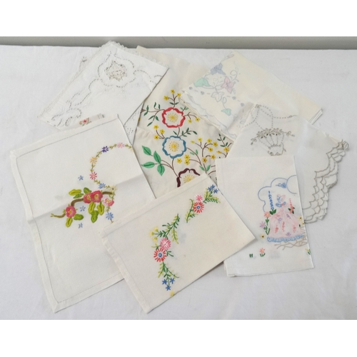 284 - LARGE SELECTION OF NAPERY including napkins, placemats and tablecloths in various patterns and desig...