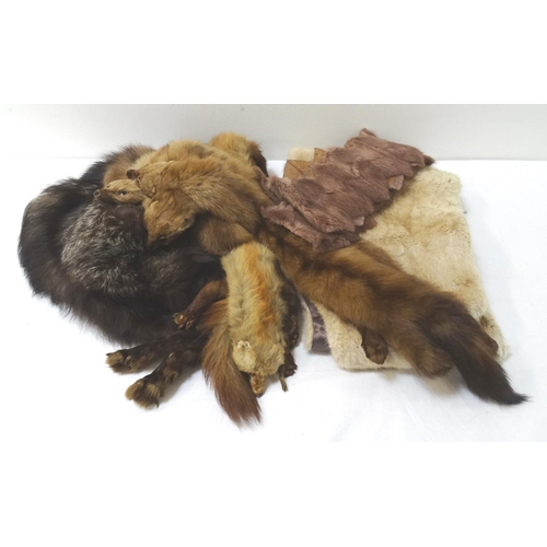 386 - PALE MINK STOLE together with a mink collar and a triple mink collar, and a raccoon stole - RE-OFFER...