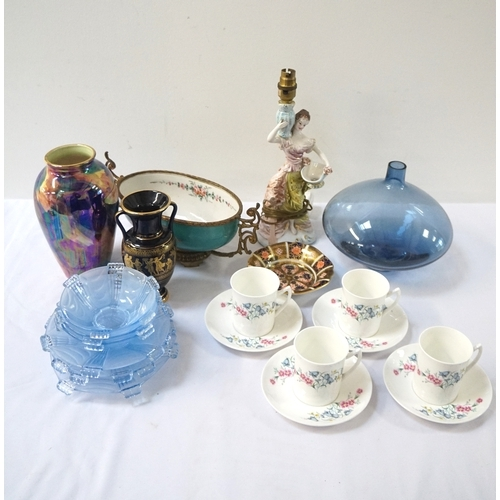 222 - MIXED LOT OF CERAMICS including a Villeroy & Boch Dutch pattern charger, Italian table lamp modelled...