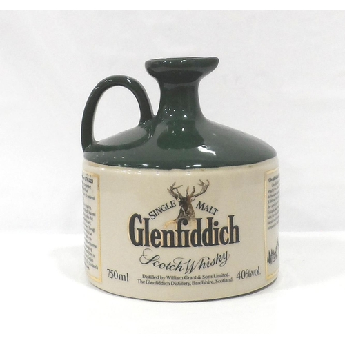 6 - GLENFIDDICH HERITAGE RESERVE ROBERT THE BRUCE An older decanter of the Glenfiddich Heritage Reserve ...