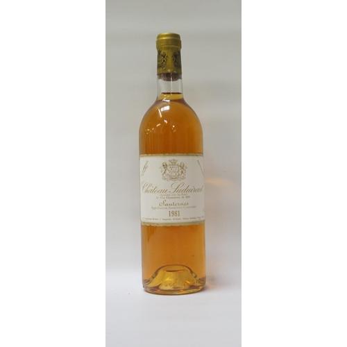 22 - CHATEAU SUDUIRAUT SAUTERNES 1981 VINTAGE A bottle of the fantastic Chateau Suduiraut 1981 Vintage Sa...