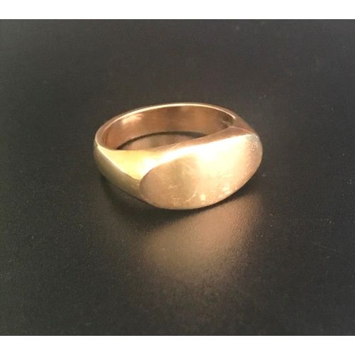 4 - UNMARKED GOLD SIGNET RING tests as eighteen carat gold, ring size R-S and approximately 10.3 grams...