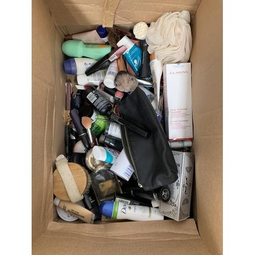 23 - ONE BOX OF NEW AND USED TOILETRY ITEMS including Kiko, Clarens, Tom Ford, Mac, Nivea, Garnier, Bobby...