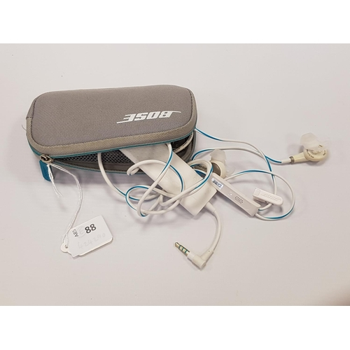88 - BOSE QUIETCOMFORT 20 NOISE CANCELLING HEADPHONES in original case....