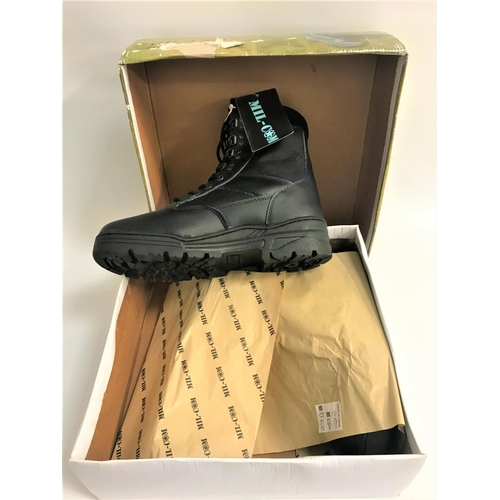 400 - PAIR OF MIL-CON PATROL BOOTS part leather and canvas, size 11, new and unused, boxed...