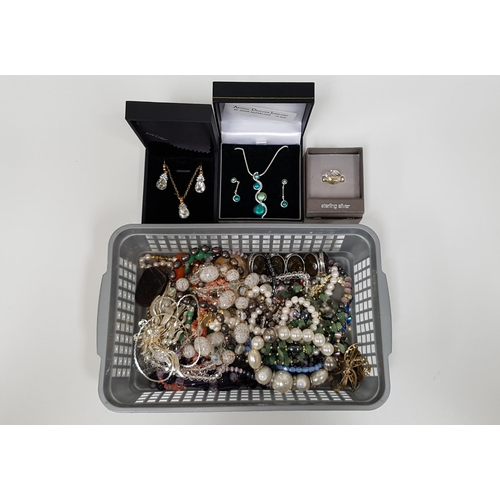 37 - SELECTION OF VINTAGE AND MODERN JEWELLERY including freshwater pearl necklaces, various bead necklac...