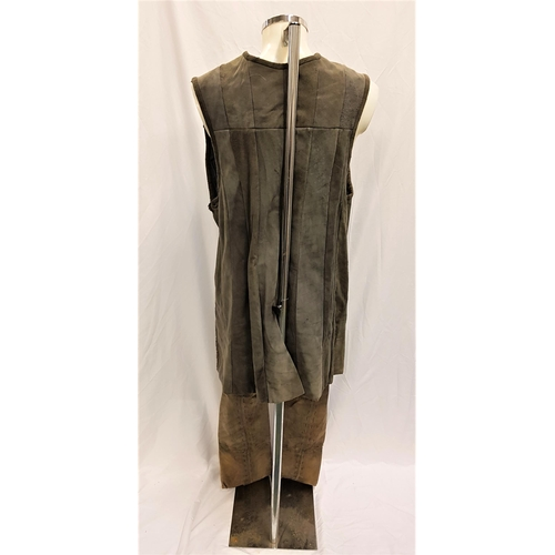 47 - KINGDOM OF HEAVEN (2005) - BALIAN DE IBELIN'S HANDMADE 6 PIECE OUTFIT INCLUDING SHOES - PLAYED BY OR...