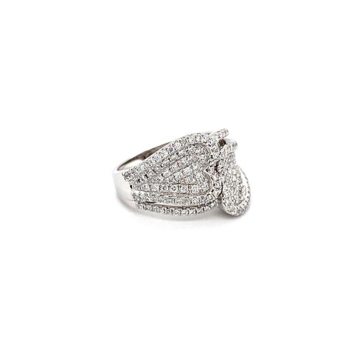 34 - 18k White Gold Ring Set With 144 VVS Grade Round Cut Brilliant Diamonds D-F colour With Certificate,...