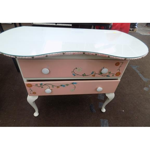 523a - Child's kidney dressing table...