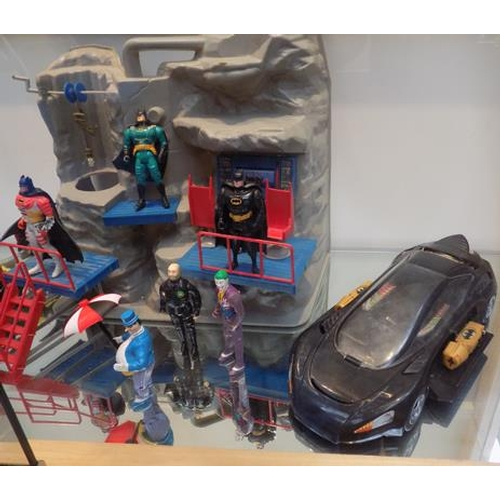 20 - Batman 1989, Kenner Batcave & figures & cars...