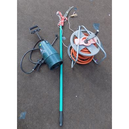488 - Extending lopper, sprayer and hose...