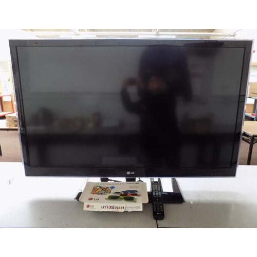 509 - LG BD television W/O with remote and 3D glasses...