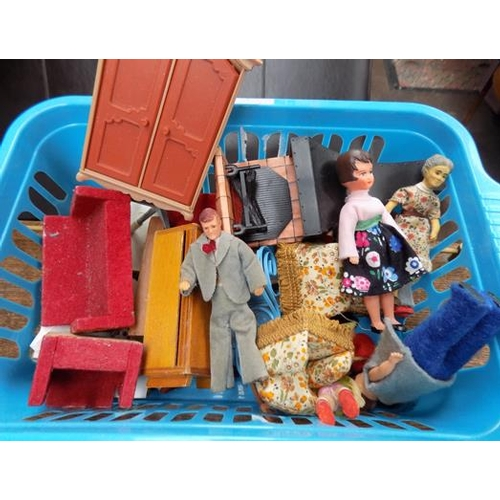 60 - A selection of mixed dolls house furniture...