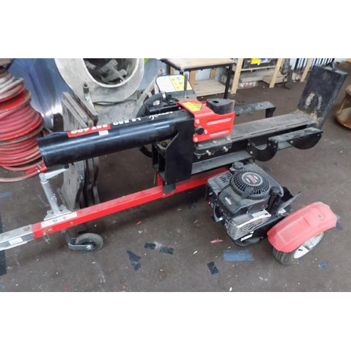 525 - Briggs and Stratton engined log splitter MTD LS550-25T 600...
