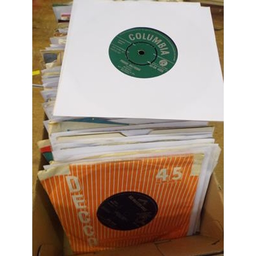 4 - 100+ singles inc Elvis, Tom Jones, Lonnie Donnigon etc...