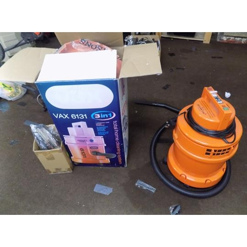 487 - Vax 'Wash & Vac' vaccuum system, boxed & in working order with accessories...