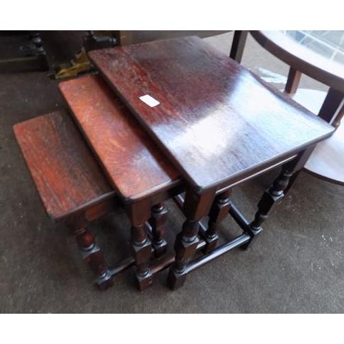 514 - Nest of three tables...