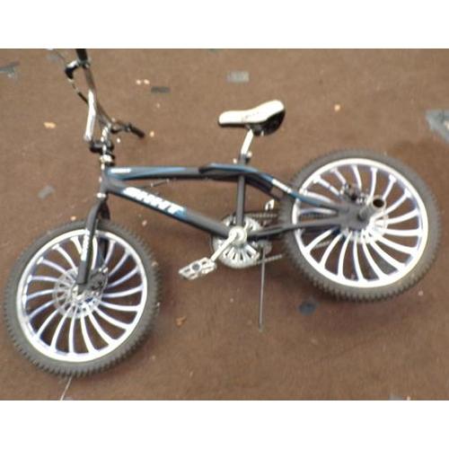 498 - Custom BMX with alloys & disc brakes...
