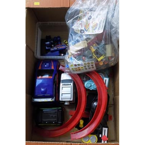 37 - Hasbro Micro Machines large fire engine and saloon car, 3 x medium fold out vehicles, 2 gardens / 12...