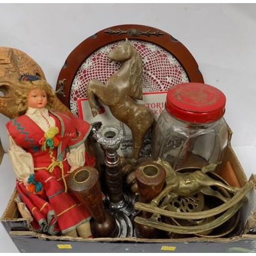 3 - Box of mixed collectables inc vintage sweet jar...