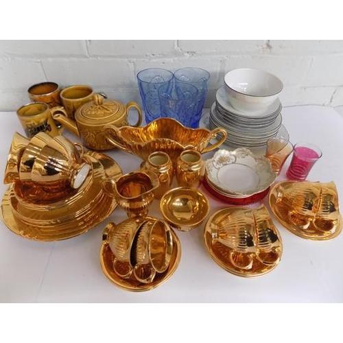 31 - Box of ceramics incl. Wade...