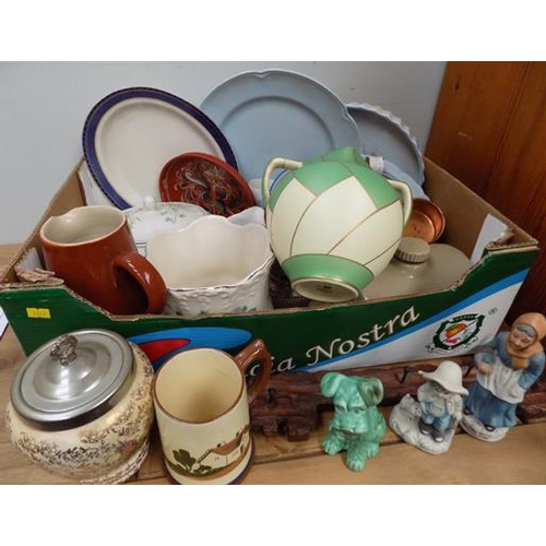 42 - Box of ceramics, incl. Crown Devon, Sylvac, Johnson Bros....