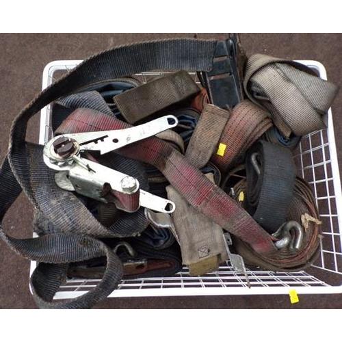483 - Box of ratchet straps...