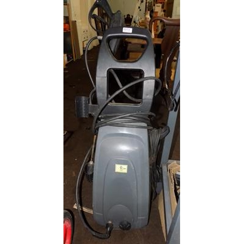 491a - Large pressure washer...