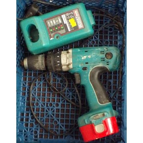 499 - Makita drill,charger & case w/o...