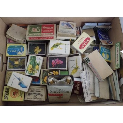 511 - Tray of old matchboxes...