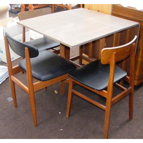 522a - Vintage formica drop leaf table & 3 chairs...