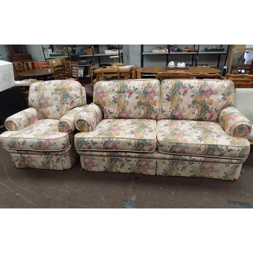 535 - 3 Seater settee & chair...