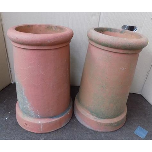 487a - 2x Terracotta chimney pots...