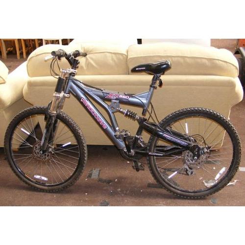 495a - Adult bike-Shockwave...