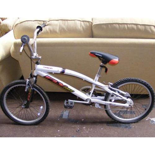 498a - Teen bike-Magna...