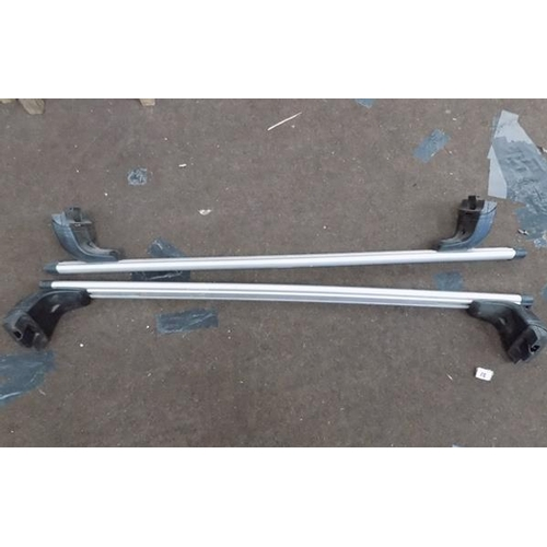 500 - Thule roof bars - Jeep...