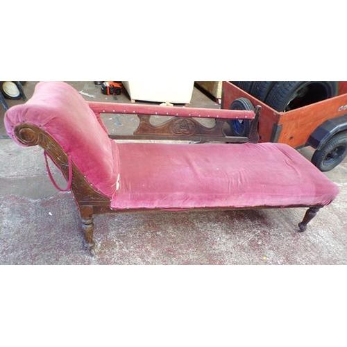 507 - Antique chaise longue for restoration...