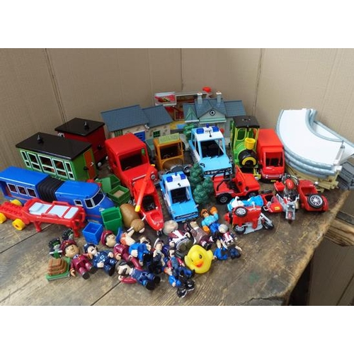 Large quantity 'Postman Pat' large scale trains - carriages