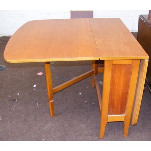 512 - Drop leaf gate leg table (6 feet x 2 feet approx.)...