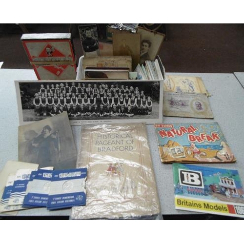 52 - Box of mixed collectable postcards, cigarette cards and photos...