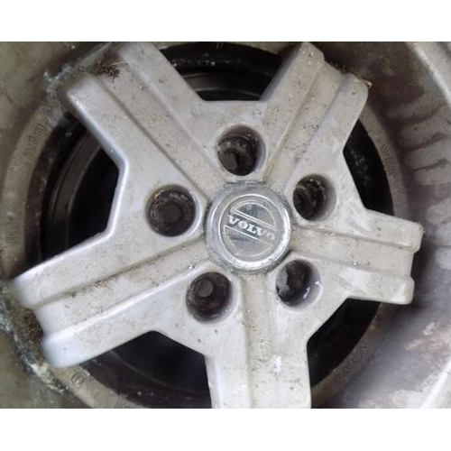 489a - Set of four alloy wheels with good tyre tread...