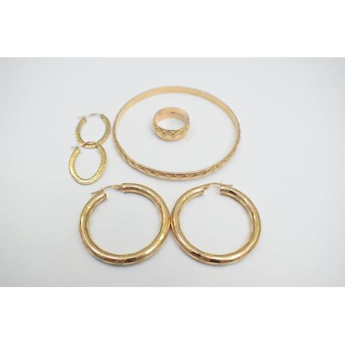10 - Gold Bracelet 9Ct Yellow Gold Hallmarked 12.87G Ladies Wedding Band 9Ct Yellow Gold Hallmarked 4.03G...